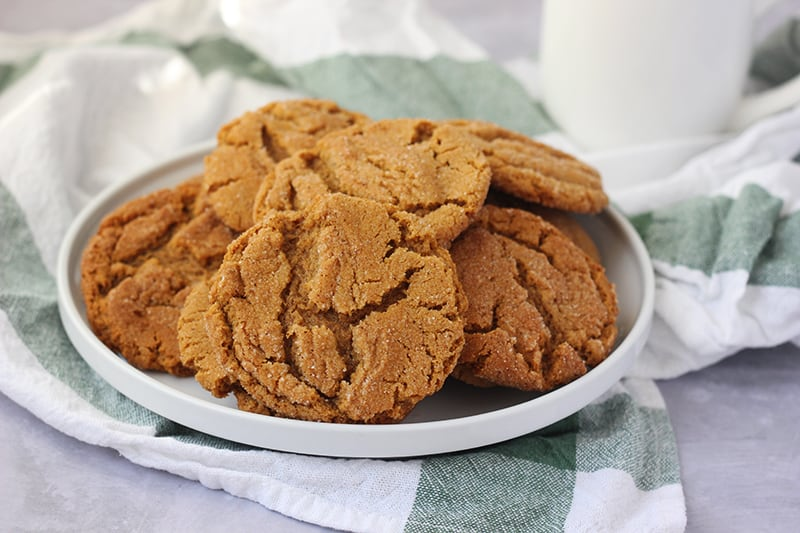How to make gingersnap cookies