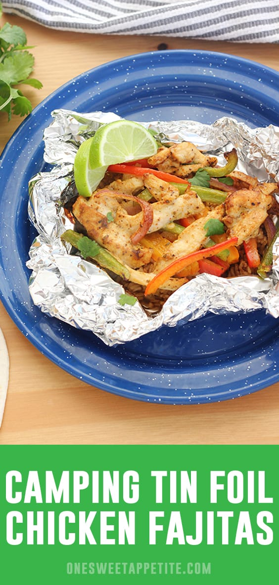 Easy tin foil chicken fajitas - the perfect tin foil dinner recipe for a no-fuss summertime dinner! These tasty foil packs are perfect for cookouts, grilling, and camping.