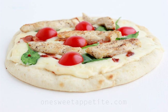 mini-chicken-alfredo-pizzas