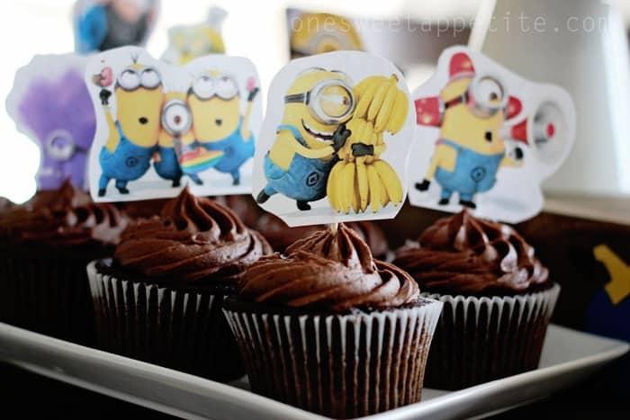 Minion party chocolate cupcakes