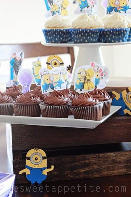 Minion party desserts