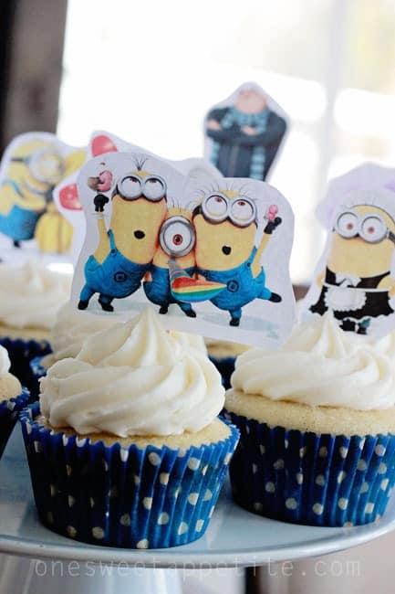 minion-vanilla-cupcakes