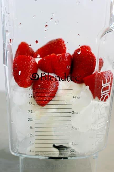 strawberry smoothie blendtec
