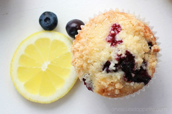 lemon-muffins-with-blueberries