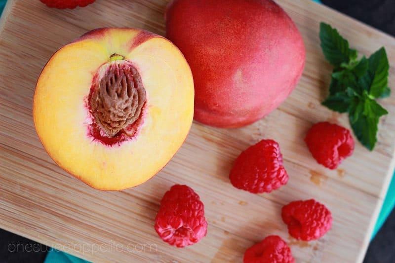 How to make Raspberry Peach sangria