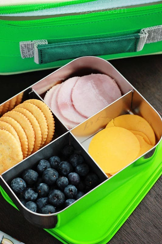 homemade lunchables with ham and cheddar