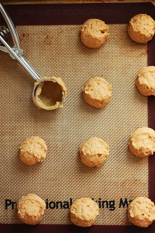 round-pumpkin-spice-cookies