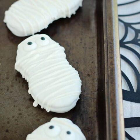 Easy Halloween Mummy Cookies