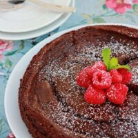 flourless-chocolate-cake-for-valentines-day.jpg