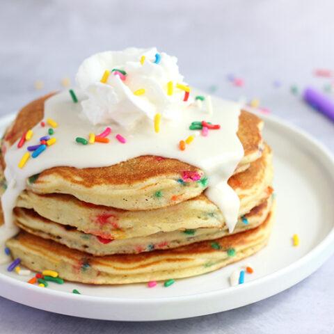Birthday Cake Pancakes Recipe - Funfetti Pancakes