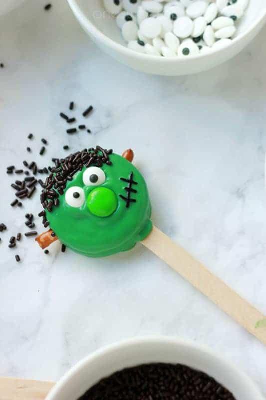 Frankenstein Oreo's on One Sweet Appetite