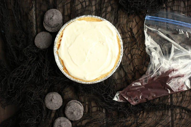 No-bake spiderweb cheesecake tutorial