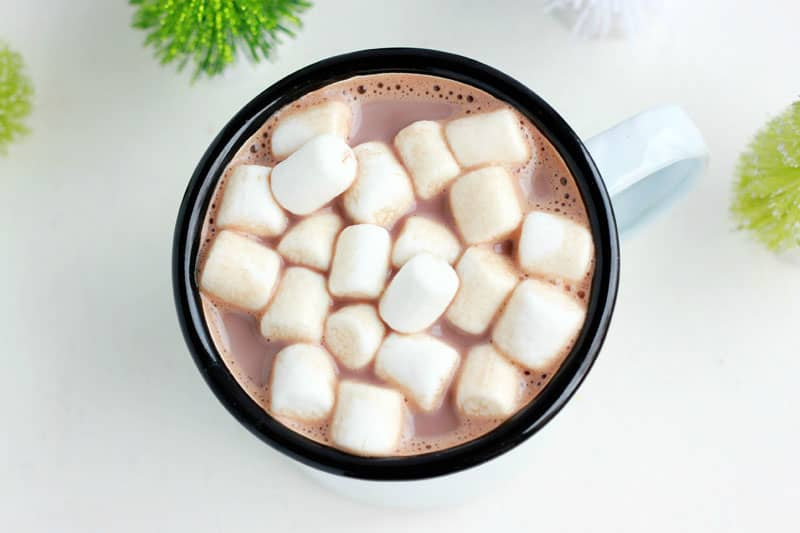 christmas-cocoa-with-marshmallows