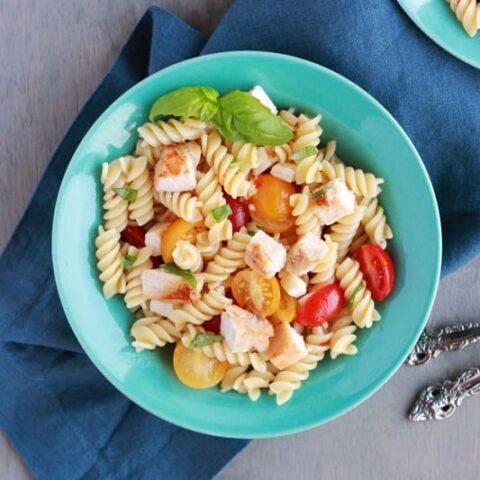 Easy Chicken Caprese Pasta Salad
