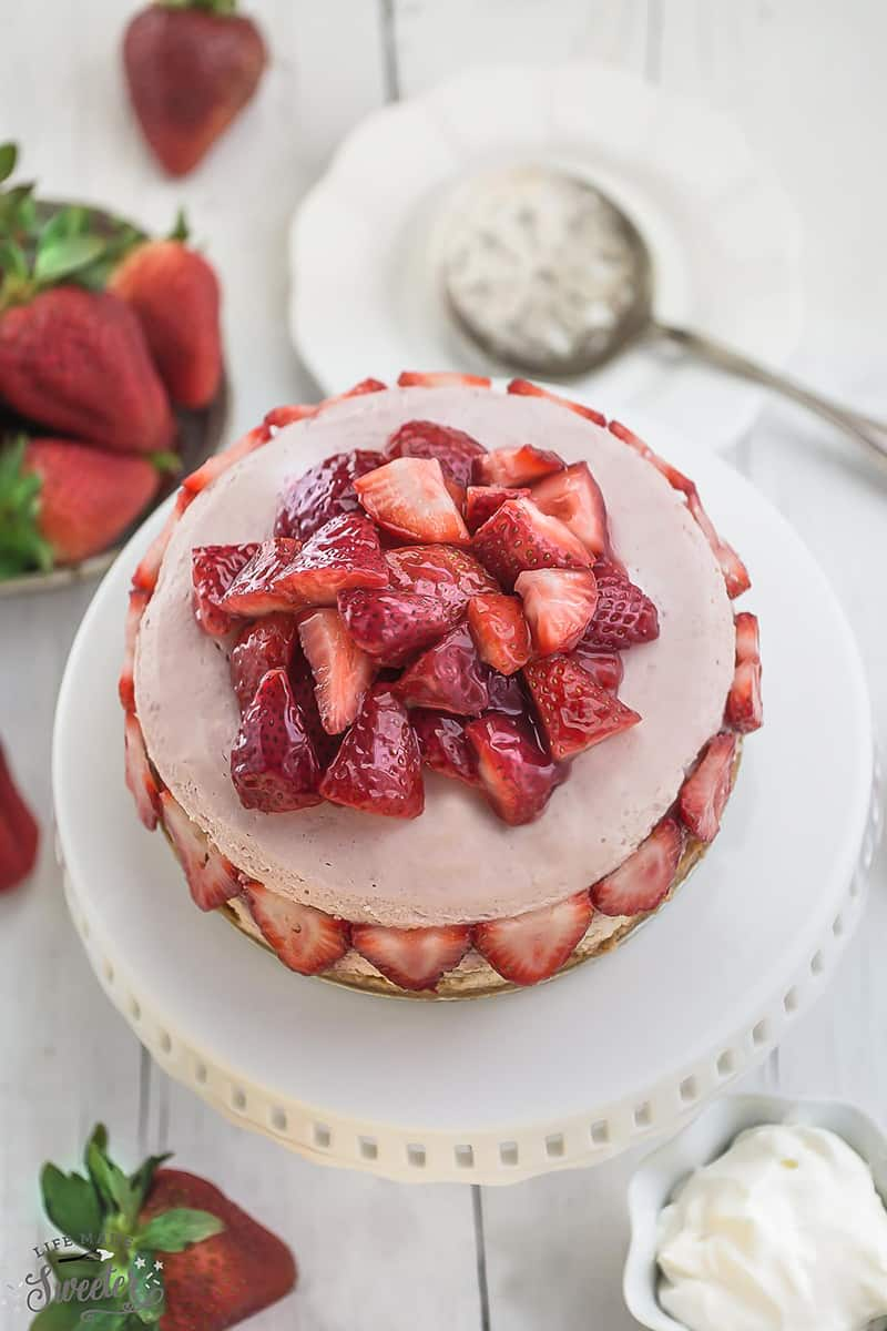 Slow Cooker Strawberries and Cream Cheesecake WM