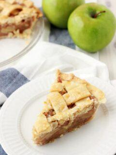 Easy Caramel Apple Pie