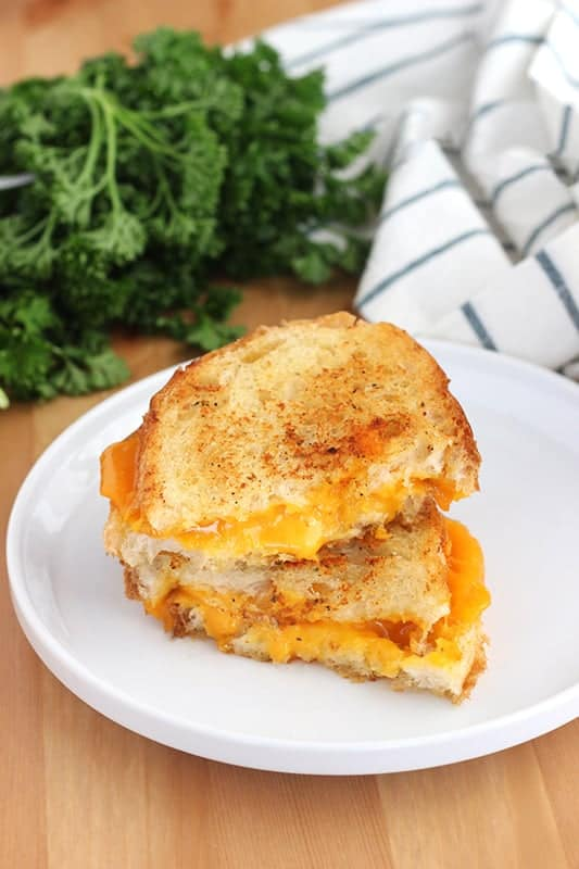 How to make the ultimate grilled cheese sandwich