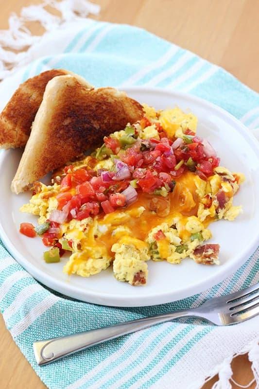 Southwest Style Scrambled Eggs