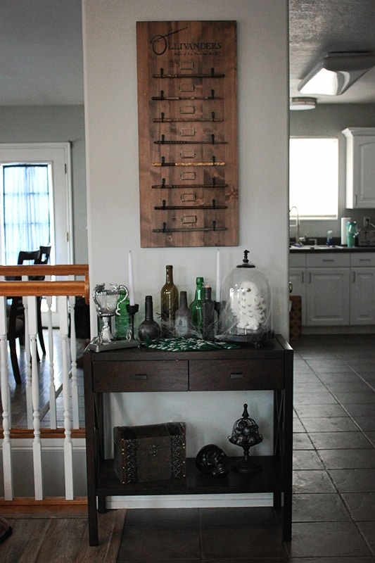 Slytherin Party Wand Table