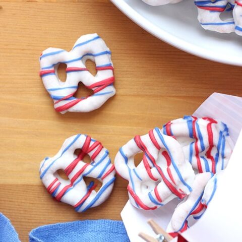 4th of July Chocolate Covered Pretzels